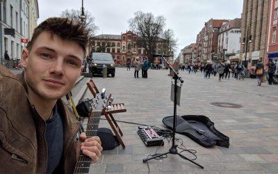 Süßes Mädchen in Rostock